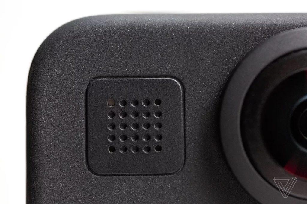 Micro lớn thu âm thanh chất lượng cao đáng ngạc nhiên.