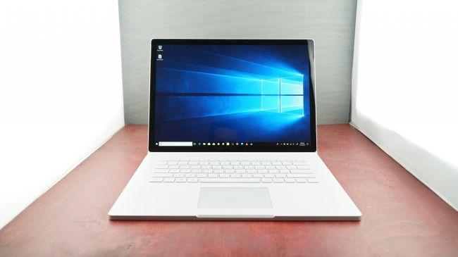 Microsoft Surface Book 2 (15 inch) máy tính bảng tốt nhất năm 2019