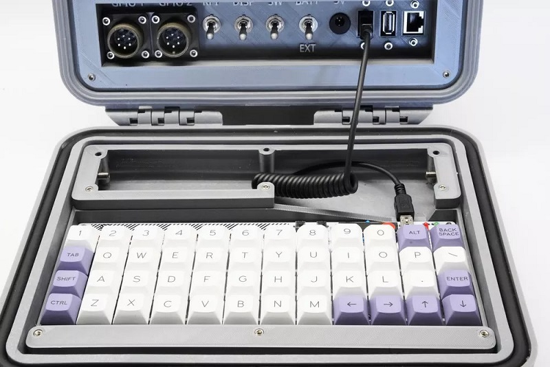 Bàn phím 5z6p trong Raspberry Pi Recovery Kit