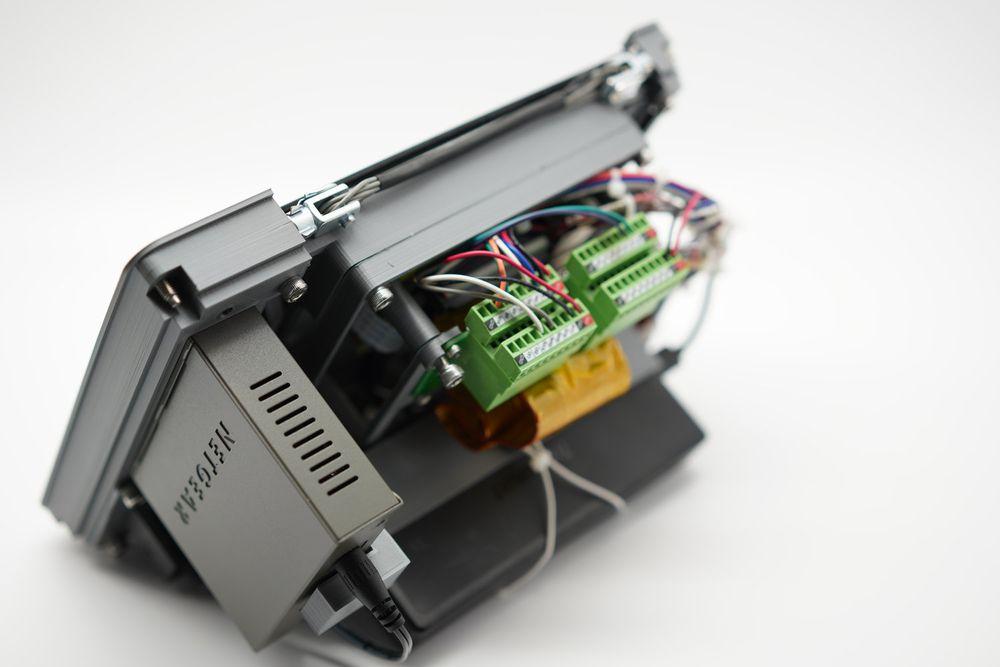 Bên trong Raspberry Pi Recovery Kit