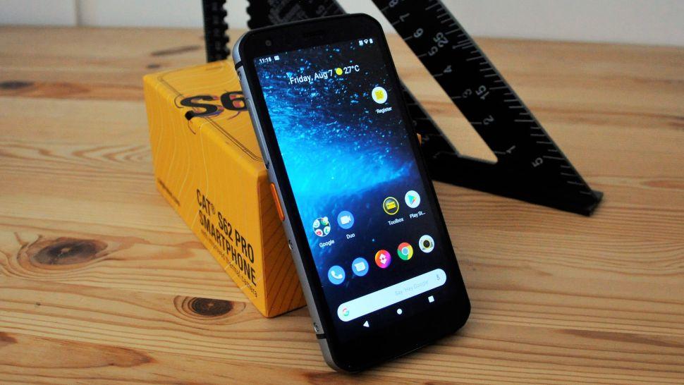 Cat S62 Pro điện thoại chống nước, chống va đập 2021