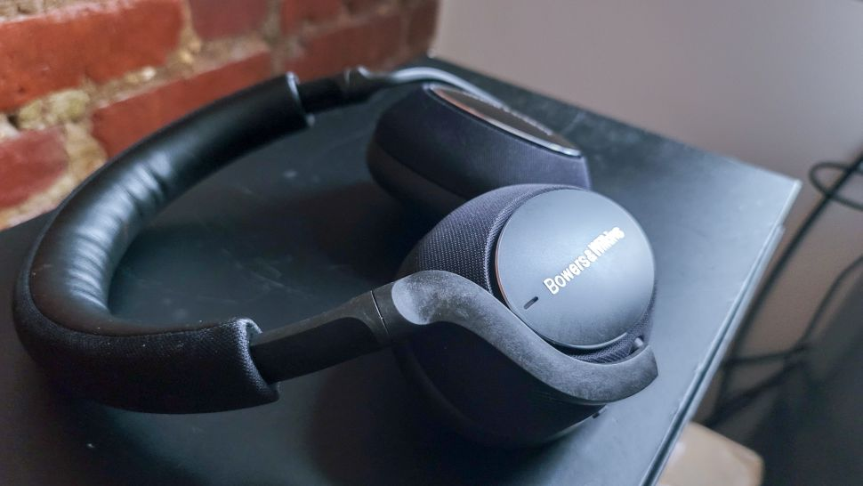 tai nghe bluetooth tốt nhất Bowers & Wilkins PX7 Carbon Edition
