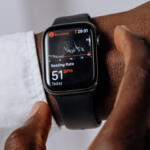 Cài đặt cảnh báo y tế trên Apple Watch