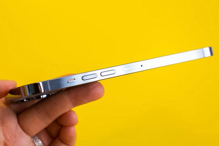 review iphone 13 dày hơn iphone 12